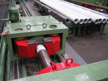 cold draw bench for precision pipe (1)