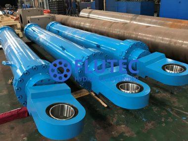 Crane Boom Cylinder (2)