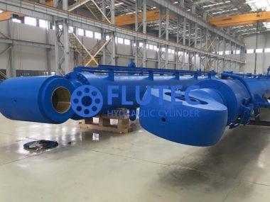 Piling Barge Cylinder (2)