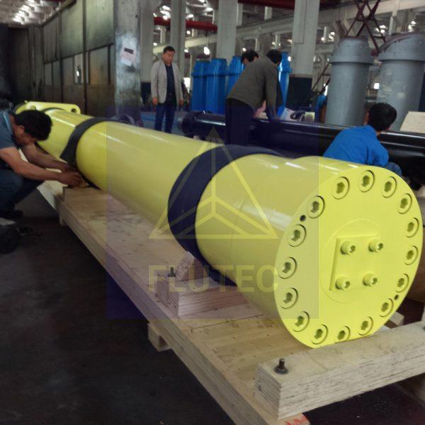 Hidrolik Balya için İtici Silindir (2)